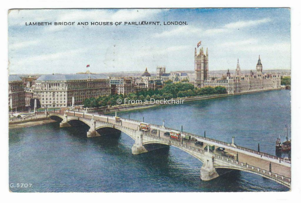 Lambeth Bridge & Houses of Parliament, London - Vintage Postcard