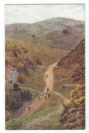 Happy Valley Malvern Vintage Postcard