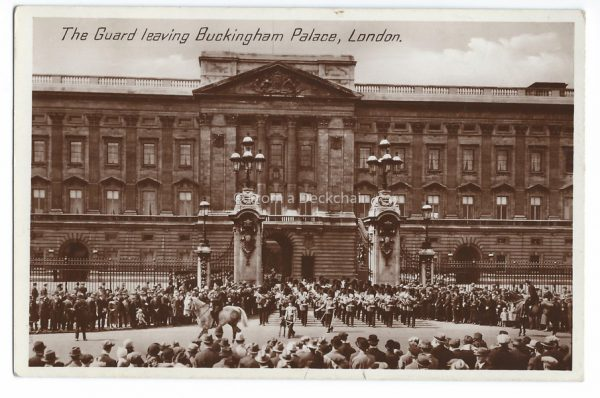 Buckingham Palace London Vintage Postcard