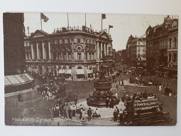 Piccadilly Circus London Vintage Postcard 1922